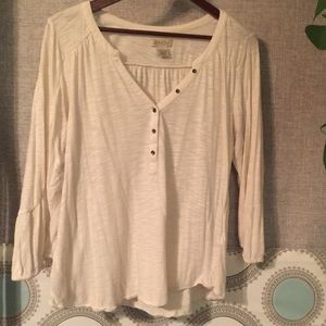 Lucky brand 🍀 white Henley 3/4 sleeve top!